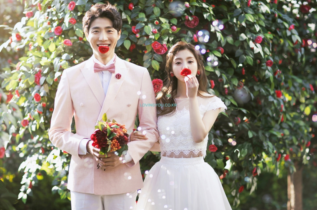 KOREA PRE-WEDDING PHOTOSHOOT By LOVINGYOU